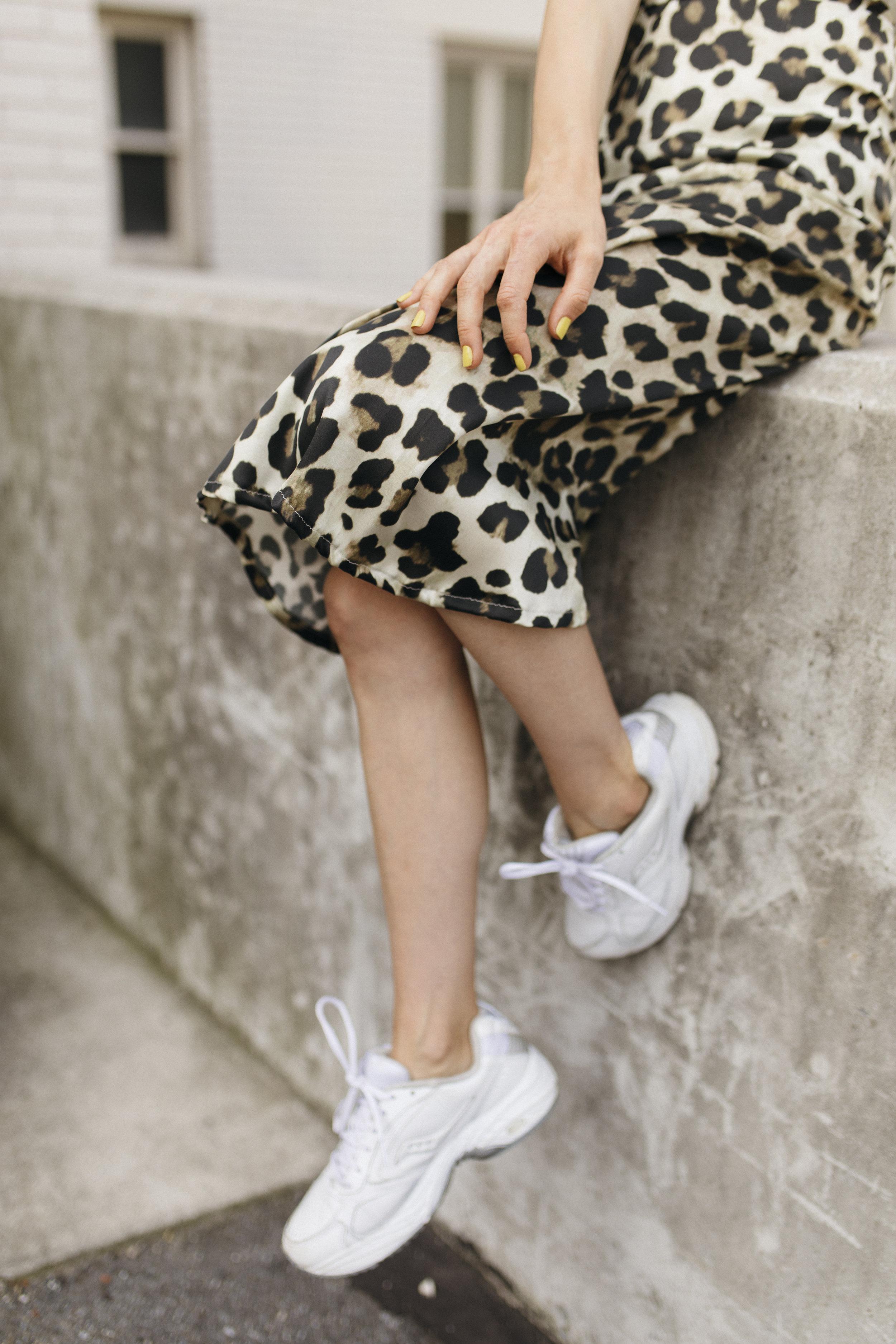 emilyrhess-blog-trends-fashion-leopard-cheetah-skirt-diy-naomi7.jpg