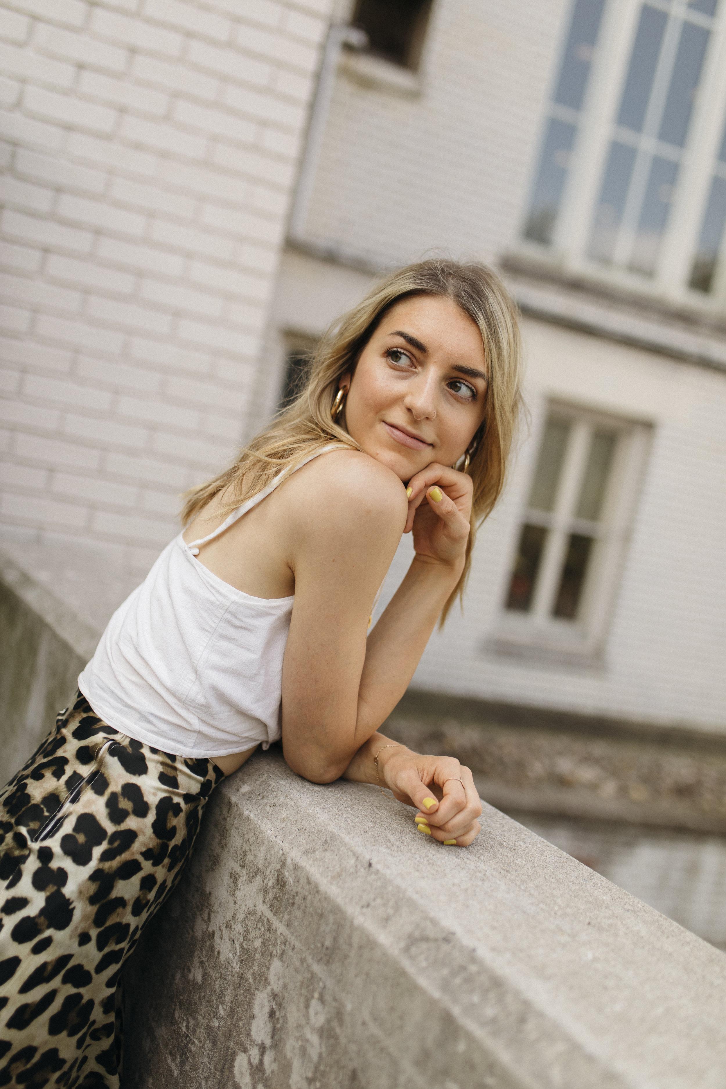 emilyrhess-blog-trends-fashion-leopard-cheetah-skirt-diy-naomi9.jpg