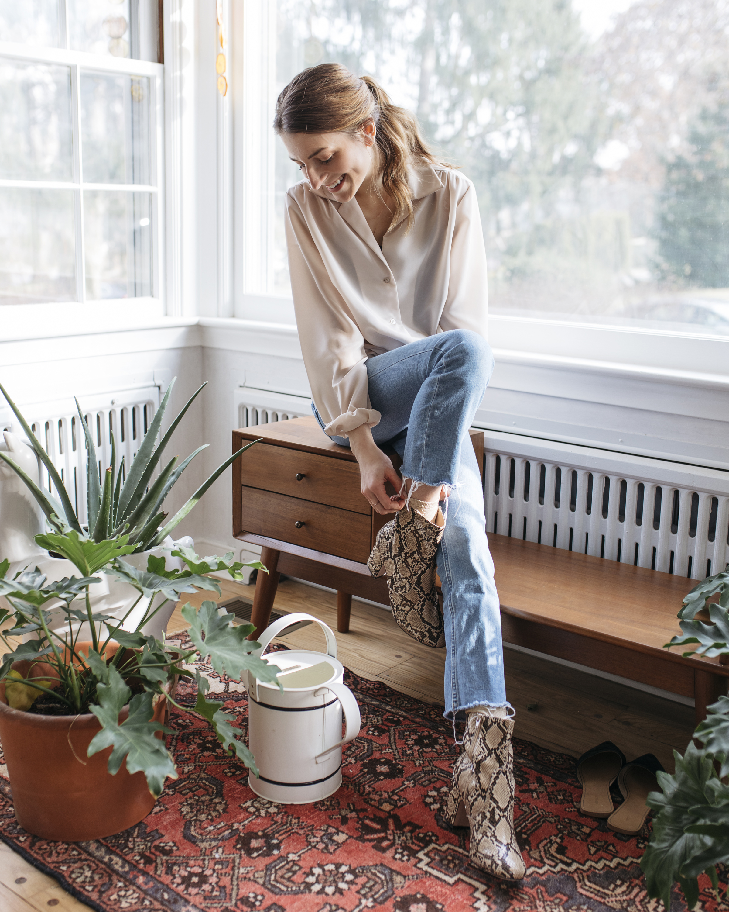 Being a girl boss has taught me so much about life. Read on as creative lifestyle and travel blogger emily r hess shares about lessons of managing a team and being a boss after founding luca creative co and being a creative director.