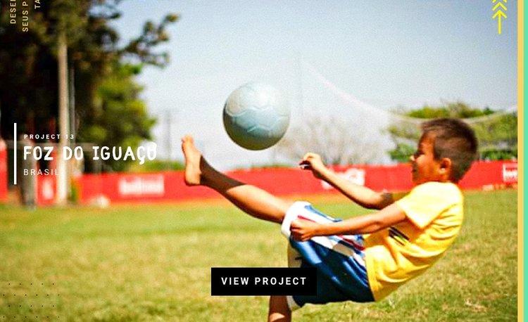 Foz-do-Iguacu-Brazil-love-futbol-CocaCola.jpeg