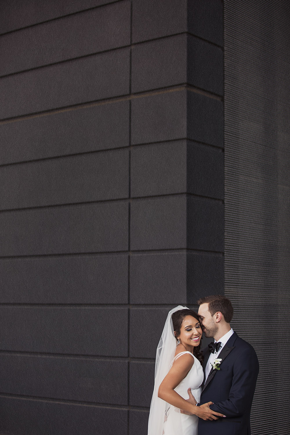 bride-groom-winspear-opera-house.jpg
