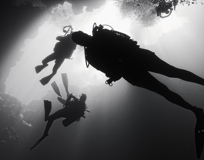 Descending Divers