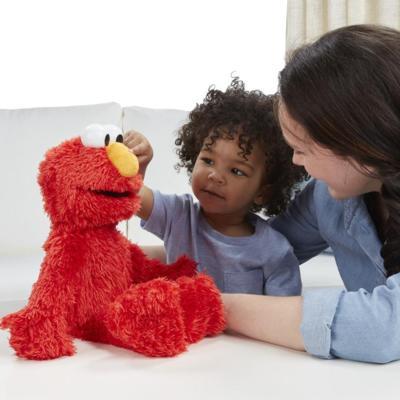 Hasbro - Learn 2 Love Elmo Spring '16