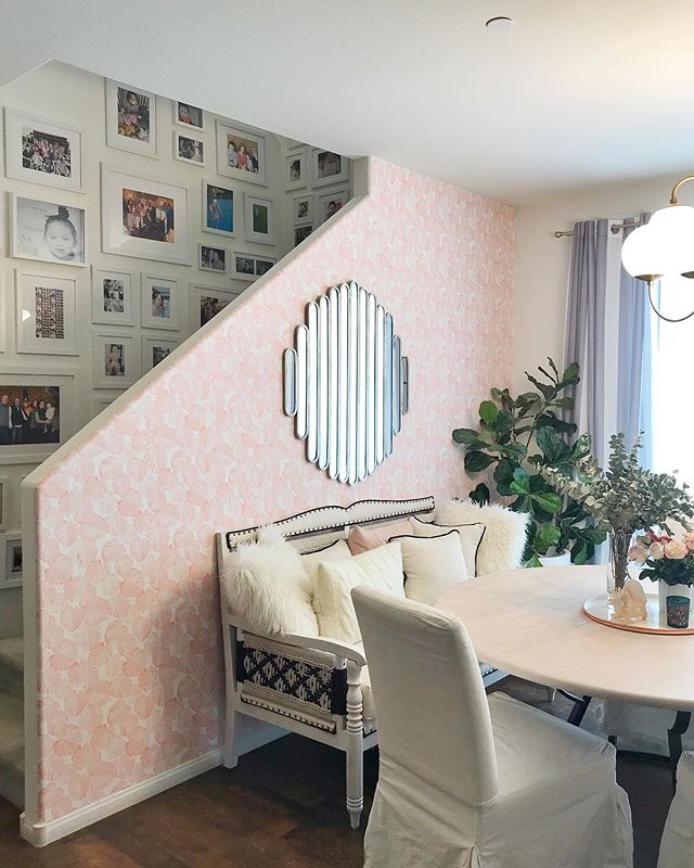 When you are taking the photos of your new (& amazing!!) @magnolia dining table and @livingspaces settee & real life happens of course! Swipe thru to see....👧🏻🌸🌿🤦🏻‍♀️ #momlife #reallife #allgood #smile #laugh #home #design #lovethis #livingspaces #magnolia #magnoliahome #gallery #daughter #beauty #thisis5 #parenthood #flashesofdelight #sodomino #parenting #heymamaco