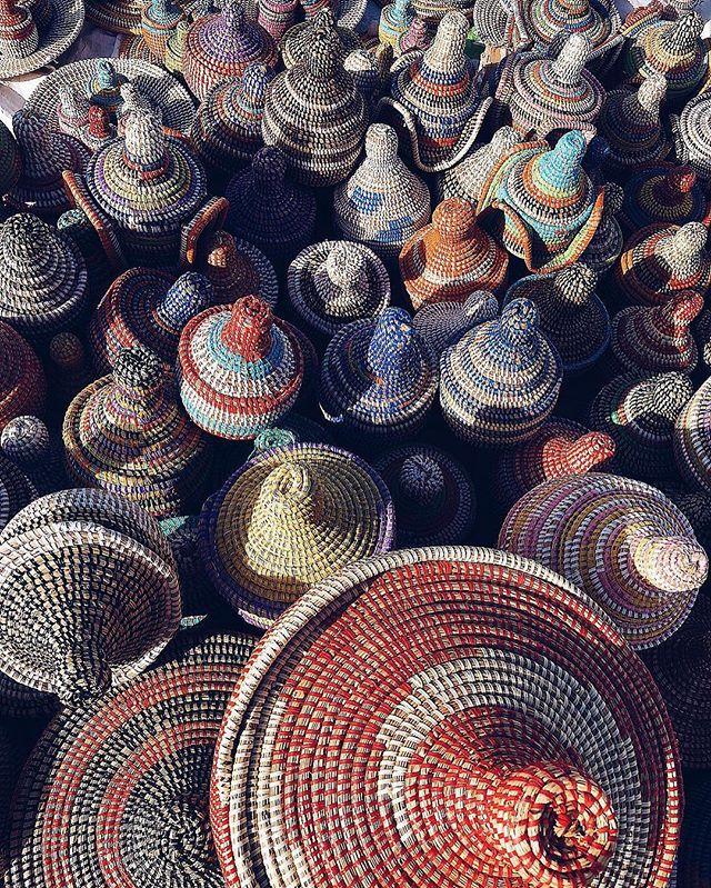 As you know, we love handwoven senegalese baskets. Spotted by Nelly @musesuniform  #africanartisans #senegalesebaskets #africancrafter #africa #senegal #handmade #everydayafrica #womenempowerment #punuhunter #GenerousStorage #interiordesign #interiors #interiors #design