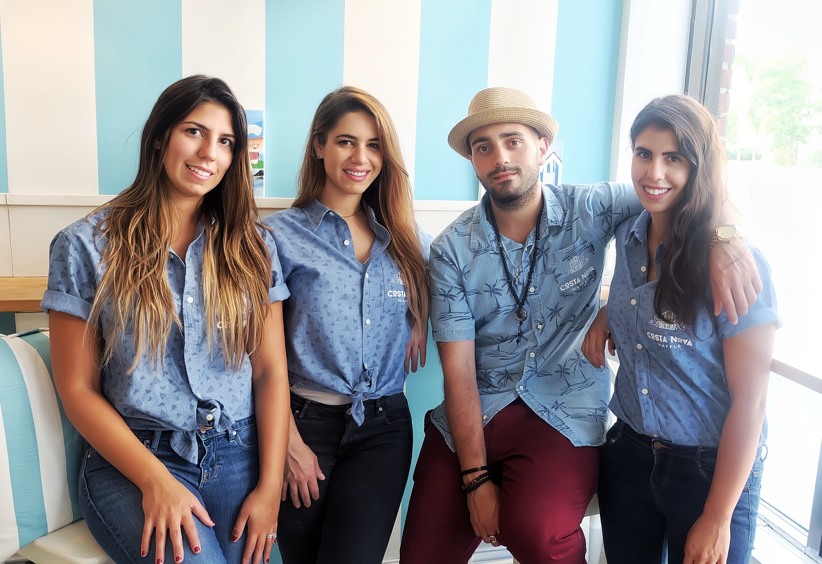 From left to right : Andrea Alves Fernandes, Monica Oliveira, Andre Oliveira, Amanda Alves