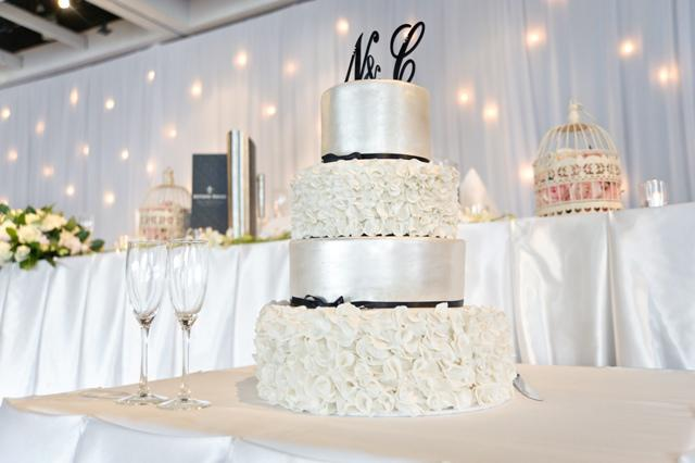 Camilo & Neha wedding cake