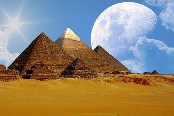 Giza Pyramids - Egypt