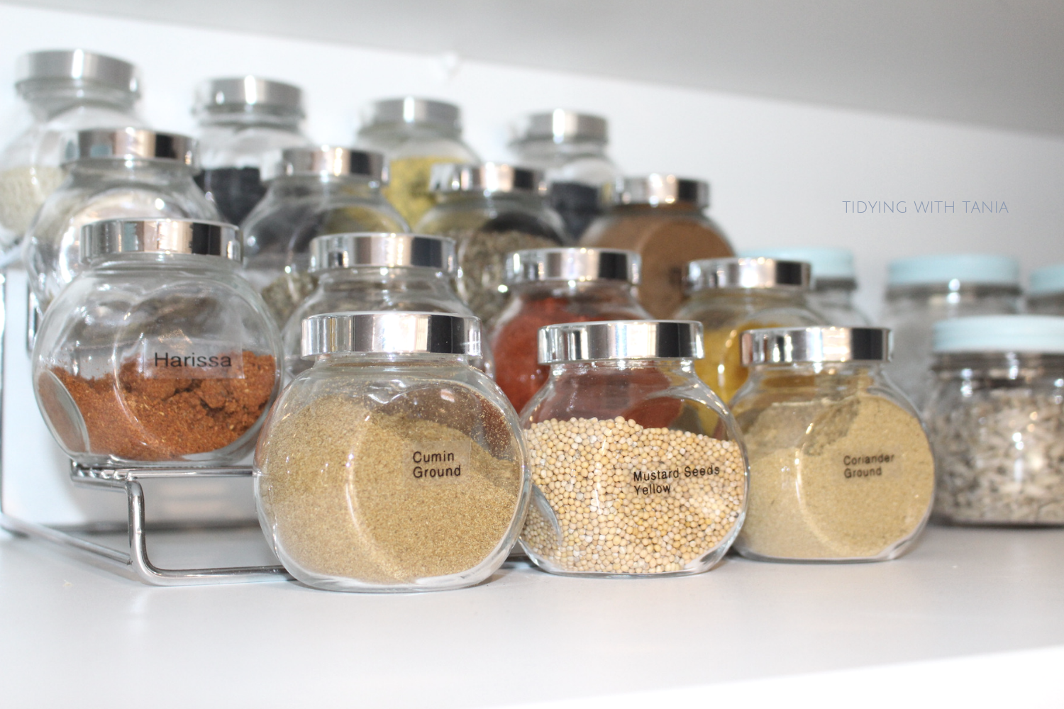 Herb-Spices-jars-in-pantry.png