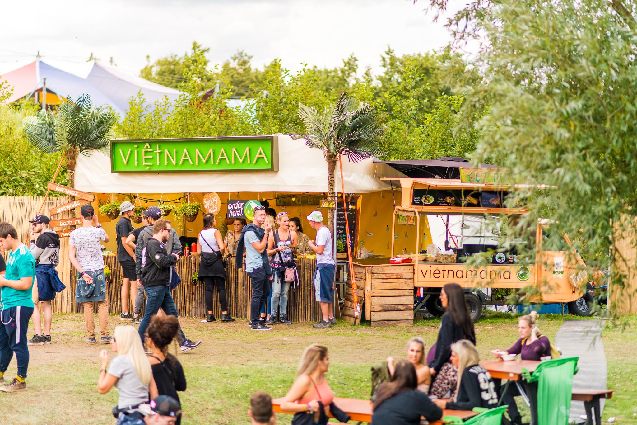 VIETNAMAMA CORNER - Een grote foodcorner van 5x4 meter en zelfs nog uit te breiden met onze Mees! Zo kunnen we pas écht Vietnamees eten over de buhne brengen!