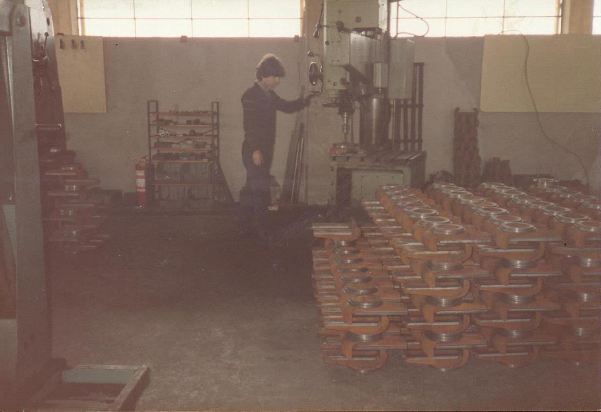 Χυτά μεγγενών 17p στη διαδικασία παραγωγής.