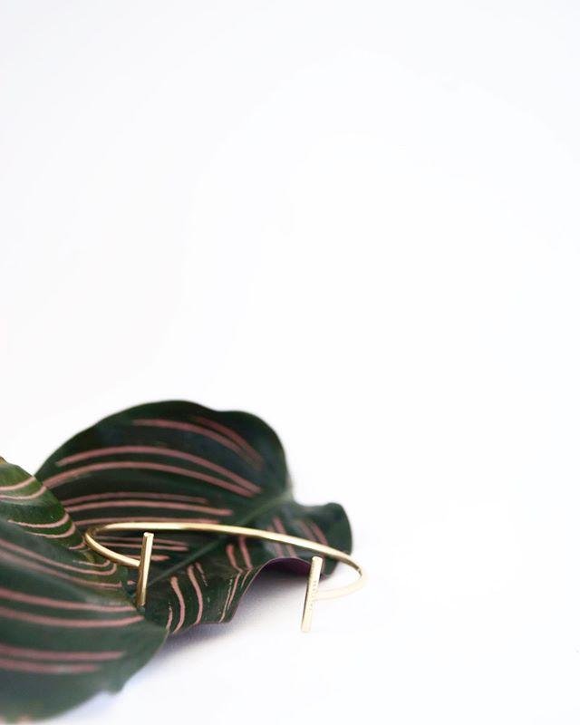 Check out the Talvikki bracelet also available at @designtorget #designtorget #talvikkistockholm #bangleup #geometricjewellery #minimaljewelry #minimaliststyle #swedishbrand #trendforecasting #setdesign #campaing #handcraftedinsweden #ethicalswedishbrand #brassbracelet #simplejewellery #delicatejewelry #newarrivals