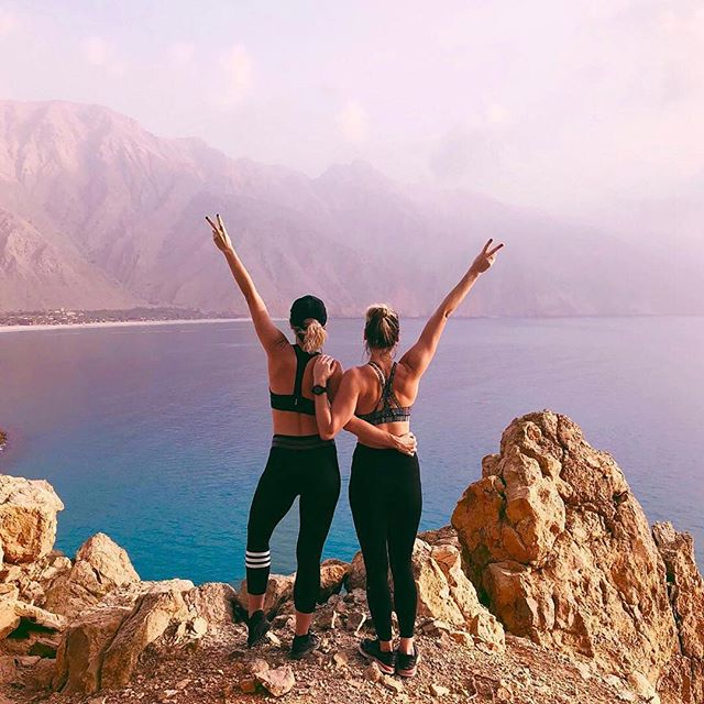 Here's a little Monday motivation courtesy of @danaemercer & @fitnessbarbiedxb ✌🏽 ⠀⠀⠀⠀⠀⠀⠀⠀⠀⠀⠀⠀⠀⠀⠀⠀⠀ ⠀⠀⠀⠀⠀⠀⠀⠀⠀⠀⠀⠀⠀⠀⠀⠀⠀ ⠀⠀⠀⠀⠀⠀⠀⠀⠀⠀⠀⠀⠀⠀⠀⠀⠀ #LiveBetterDXB #mydubai #dubai #UAE #health #fitness #wellbeing #dubailife #dubaifitness #dubaifitfam #hike #friendshipgoals #mondaymotivation #motivationmonday