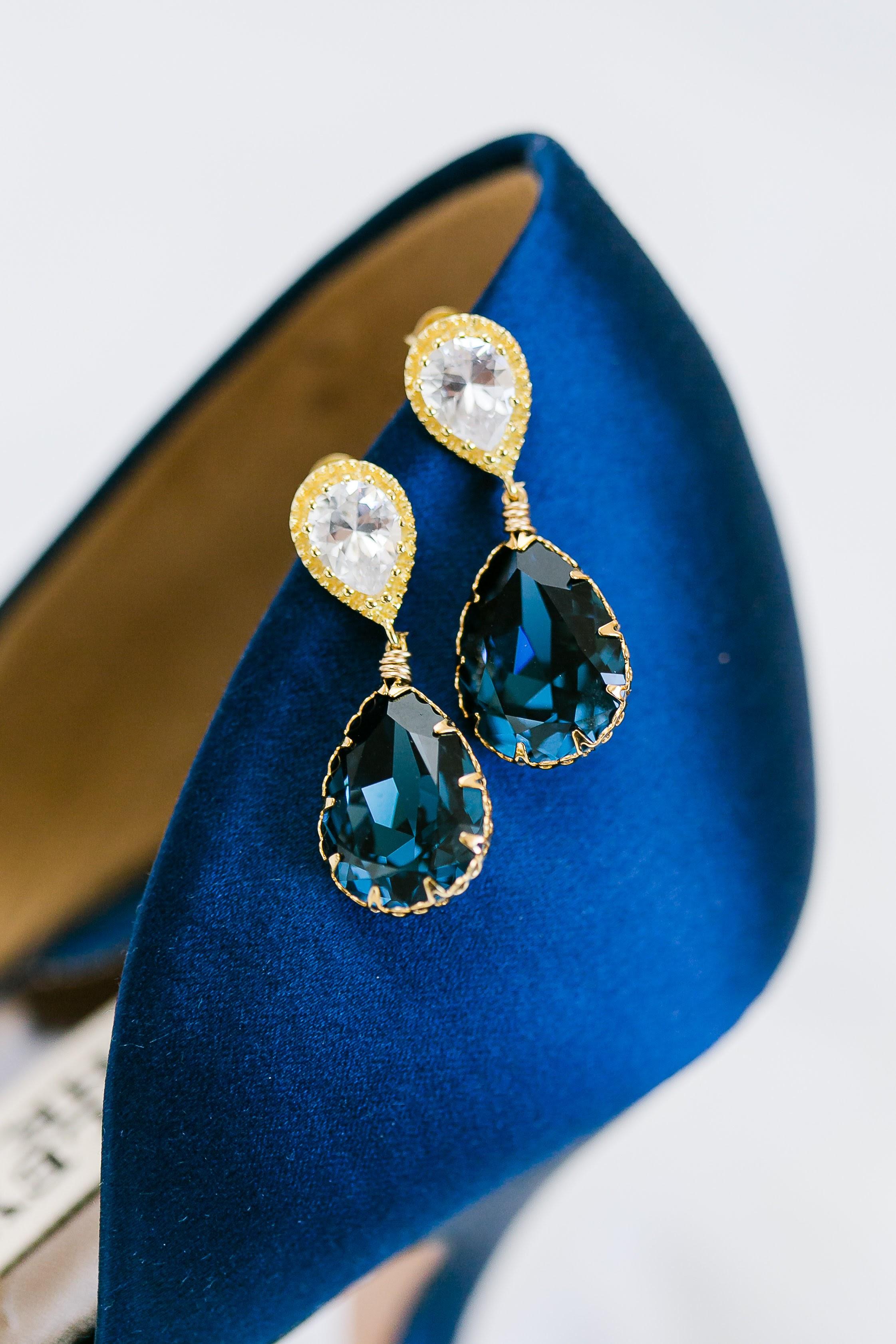 Blue Earriongs - Crystal Earrings - Wedding Accessories