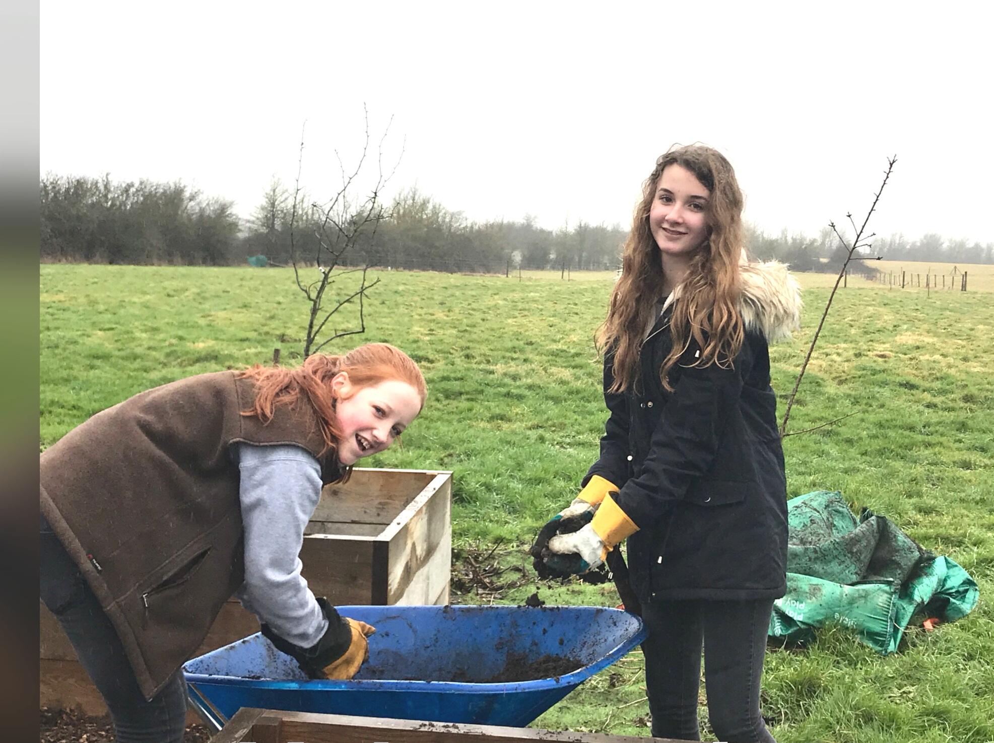 Tilda+and+Hattie+volunteering.jpg