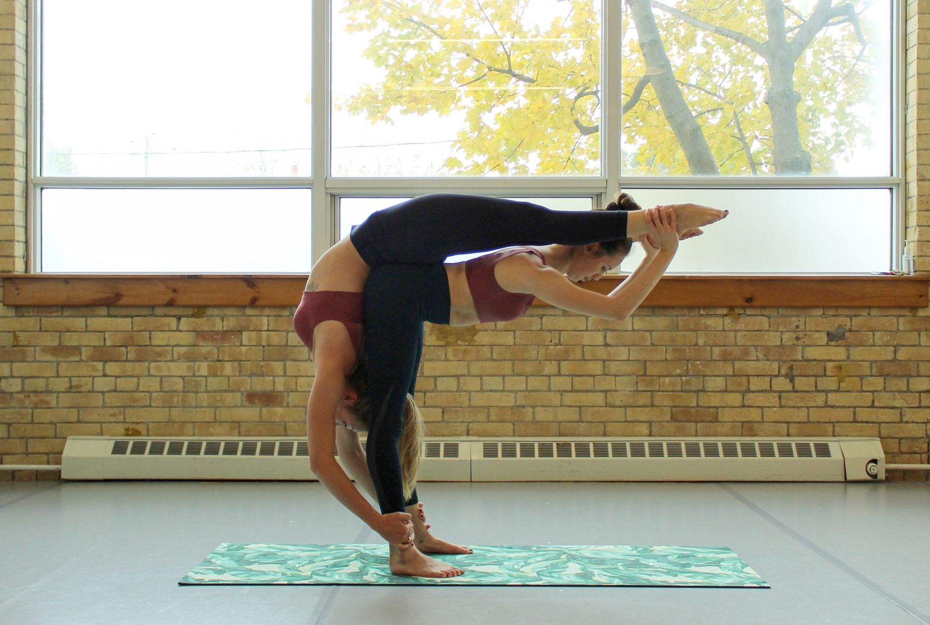 7 Simple Acro Yoga Poses To Do With Your Best Friend Yoga Twins