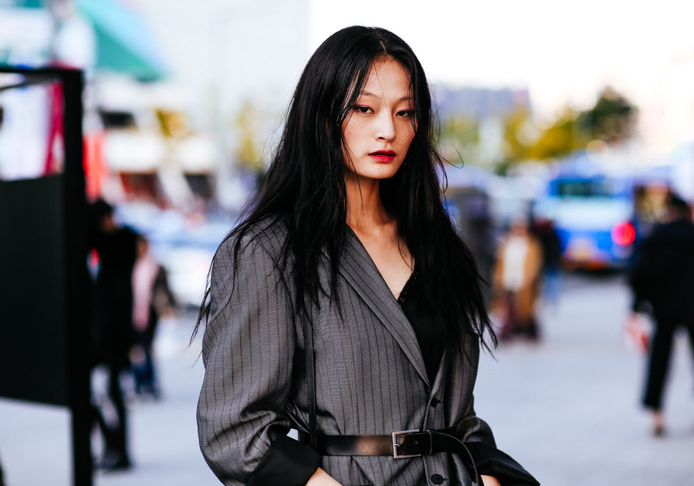 Seoul-fashion-week-SS18-Street-style-Buro247.sg-VCG_1011.jpg