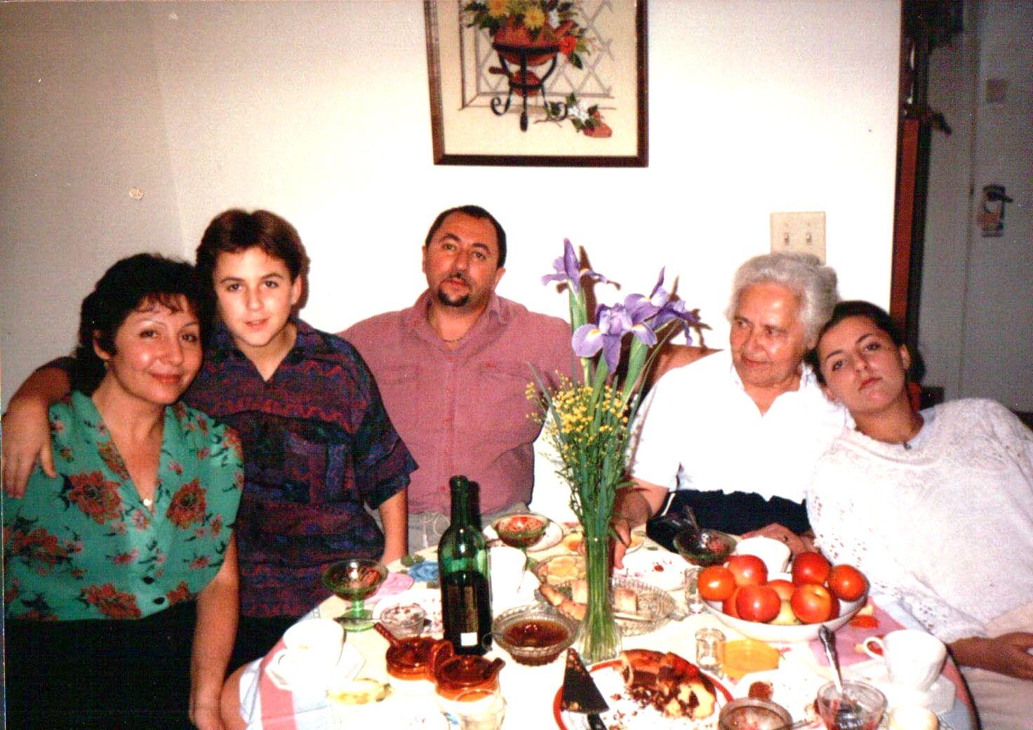 Shortly after immigrating to Orlando – Irina Khazina (mother), Kostya, Boris Kimlat (father), Inna Shatsman (grandmother), and Jenya Kimlat (sister)