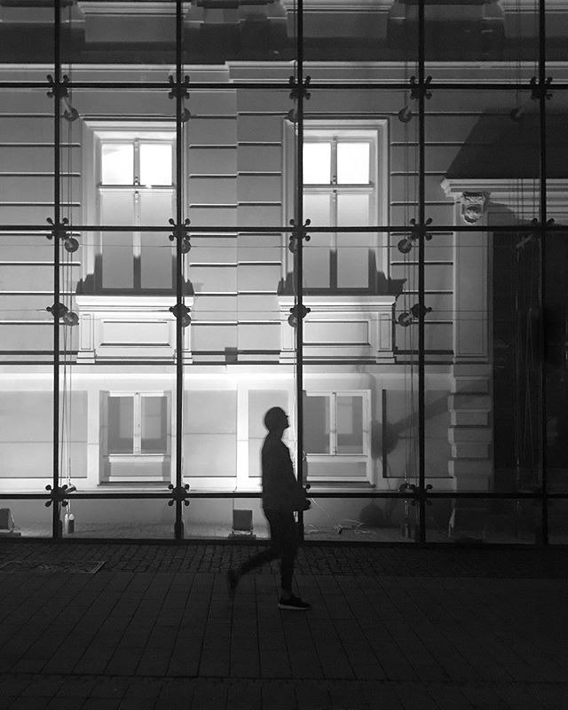 A night walk in #poznan  _  #carbonblackandwhite #blancinegre #monochrome #bw_lover #byn #blancoynegro #irox_bw #art #bw_society #nero #blackandwhite #ic_bw_bw #bwstyles_gf #bandw #beautiful #perfect #nb #noir #bw #good #mono #bnw #monoart #black