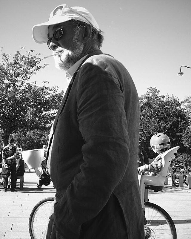 A man with a white beard... _  #carbonblackandwhite #blackandwhite #bnw #monochrome #instablackandwhite #monoart #insta_bw #bnw_society #bw_lover #bw_photooftheday #photooftheday #bw #instagood #bw_society #bw_crew #bwwednesday #insta_pick_bw #bwstyles_gf #irox_bw #igersbnw #bwstyleoftheday #monotone #monochromatic #noir #krakow