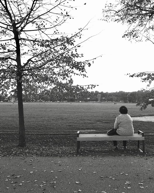 A lady on a bench... _  #carbonblackandwhite #blackandwhite #bnw #monochrome #instablackandwhite #monoart #insta_bw #bnw_society #bw_lover #bw_photooftheday #photooftheday #bw #instagood #bw_society #bw_crew #bwwednesday #insta_pick_bw #bwstyles_gf #irox_bw #igersbnw #bwstyleoftheday #monotone #monochromatic #noir