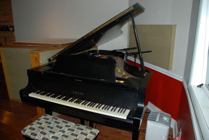 03-Piano.JPG