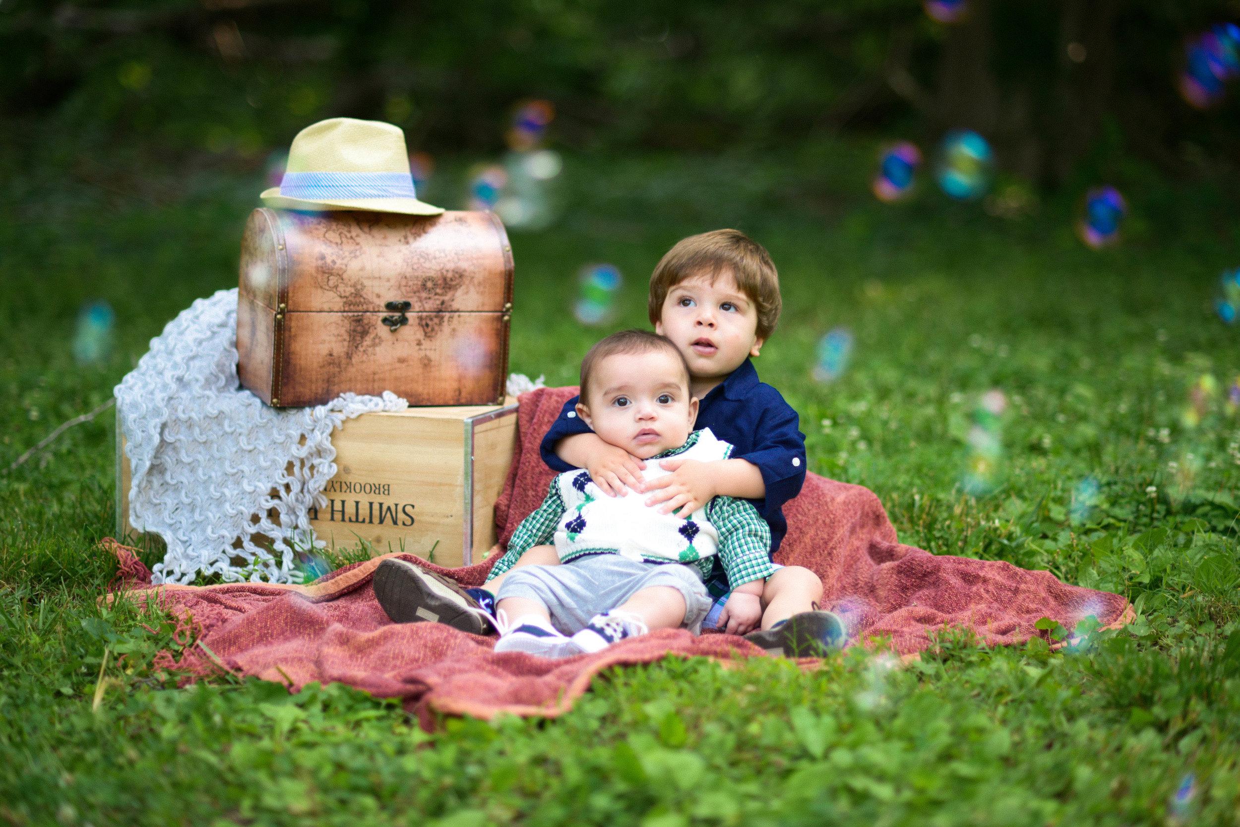 Scotts Run Preserve Kids Photos with Bubbles McLean VA