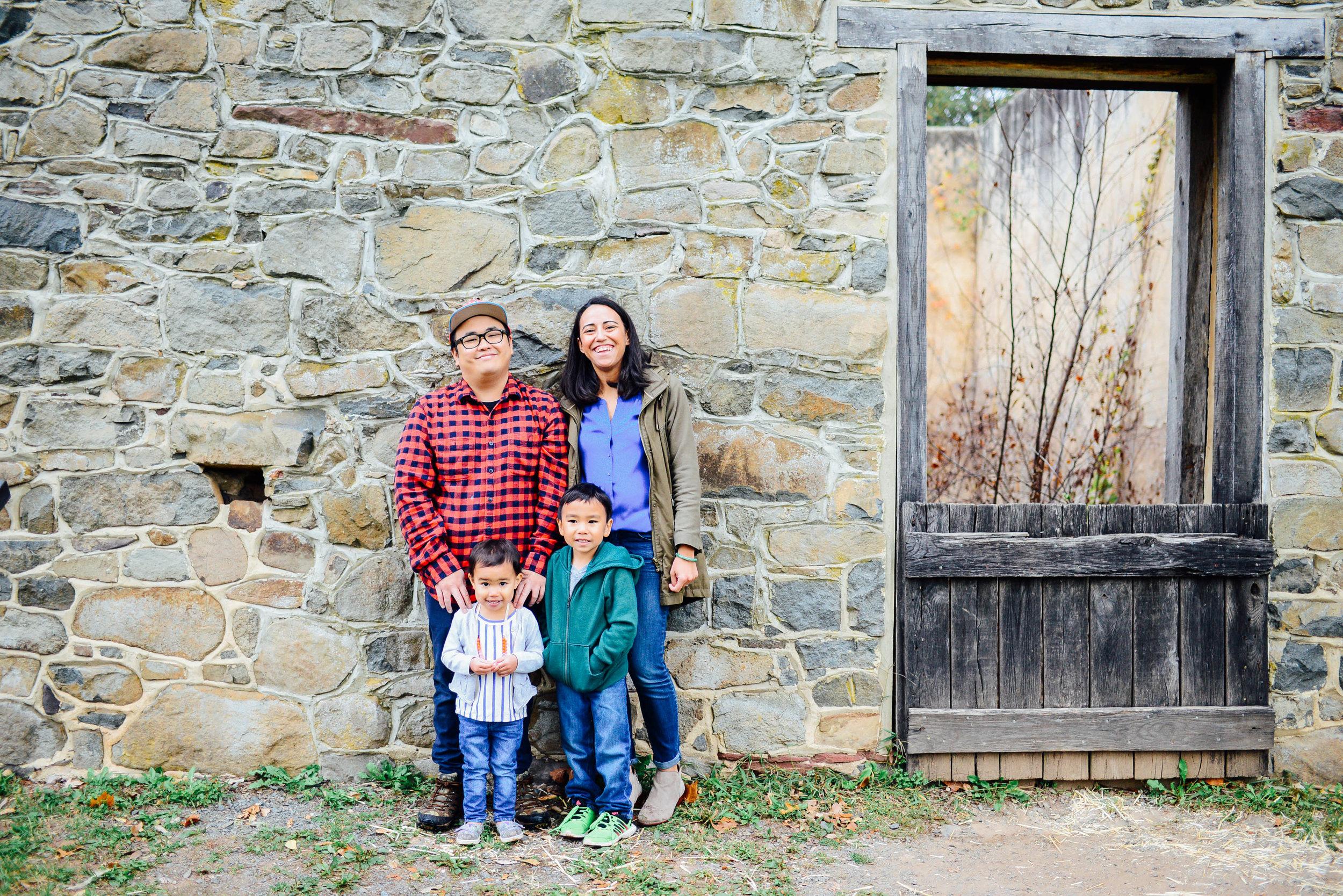 Fall Family Photos at Red Rock Overlook Park Leesburg VA