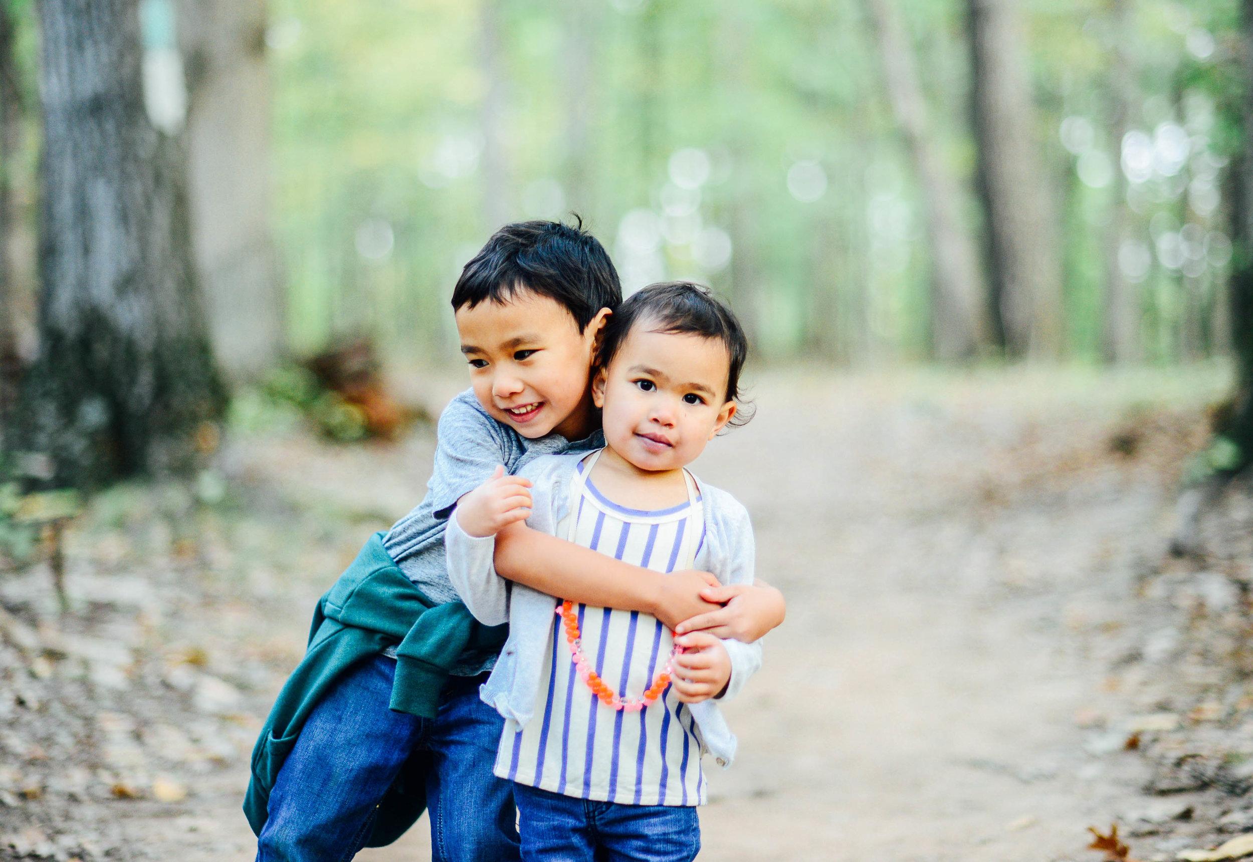 Siblings at Fall Photos at Red Rock Overlook Park Leesburg VA