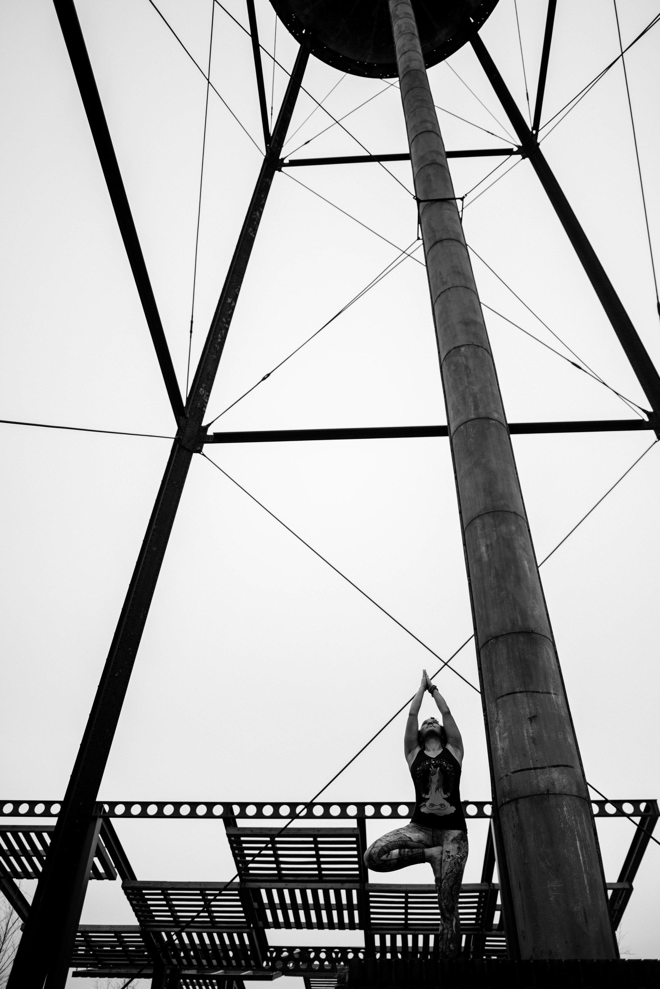 Minimalist-Photography-Tree-Pose-Charlotte.jpg