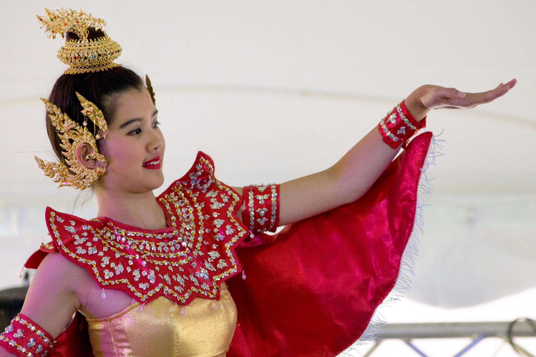 Chinese Dancer - Terri Hart-Ellis