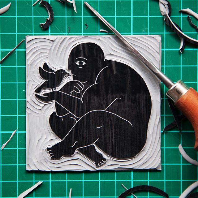 Miniature linocut, man and bird having a moment #man #bird #illustration #miniatureart #printmaking #linocut #blockprint #carving #handmade #wip #harkenback