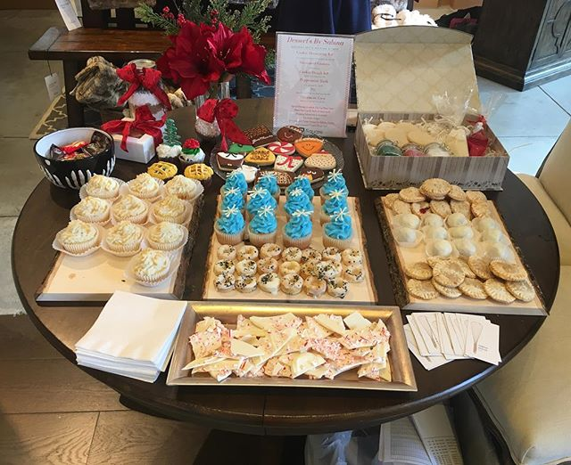 Here At @potterybarn_walnutcreek! Come Try Some Samples And Order Your Holiday Gifts! 🎄  #dessertsbysabina #dessert #holiday #thanksgiving #christmas #walnutcreek #bayarea #cookies #gift #potterybarn #broadwayplaza
