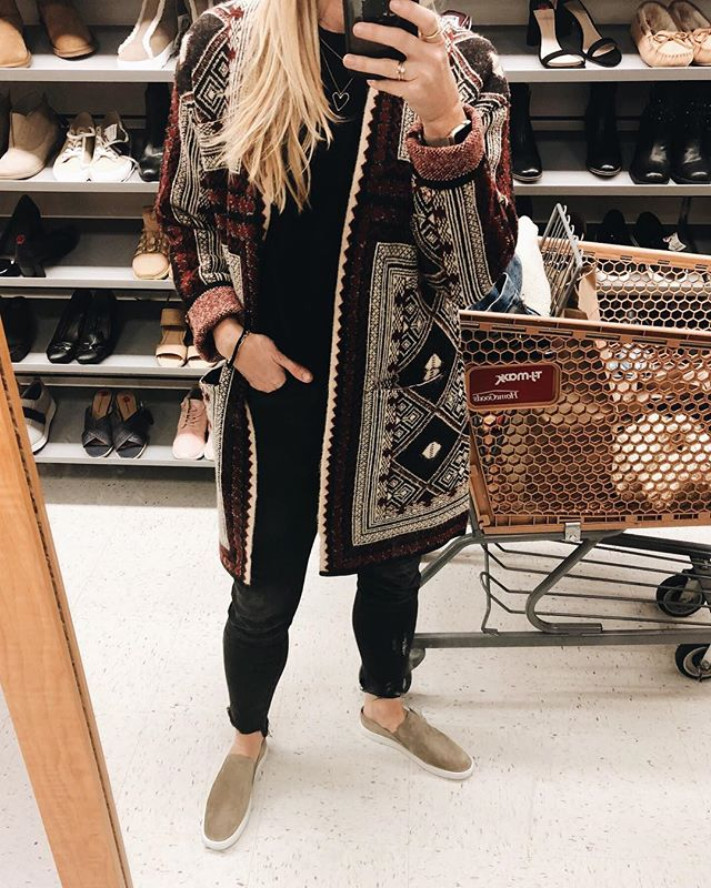 Had the night to myself with no husband and no kids so decided to come bargain shop for a few of my clients. If you know how to maneuver these discount stores you can find lots of treasure. Check out my stories to see what I found including this Max Sport sweater and @vince slip on sneakers. . . . . . . . . . #fashion #discount #discounts #ootd #womensfashion #onlineshopping #styleblogger #sale #fashionblogger #buynow #fashiongram #naijafashionista #naijafashiondesigner #discountshop #osiria #everydayfashion #fashionstyles #buynaija #fashiondiaries #naijafashion #naijafashiondaily #retailtherapy #womenstyles #osiriawoman #fashionbrand #customersatisfaction #styleinspiration #fashionlover #readytowear #discountsale