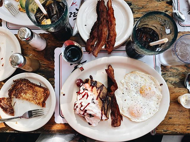 Is it acceptable to have bacon with every meal of the day? . . . . . . . . . #brunch #foodie #sundayfunday #sunday #food #foodporn #breakfast #foodstagram #sundayvibes #eeeeeats #foodphotography #lunch #foodgasm #mimosas #foodblog #instafood #foodblogger #coffee #hiphop #carmel #mimosa #sundaymorning #nyc #dancehall #mazinightclub #reggae #foodiesofinstagram #sweet #familytime #foodlover