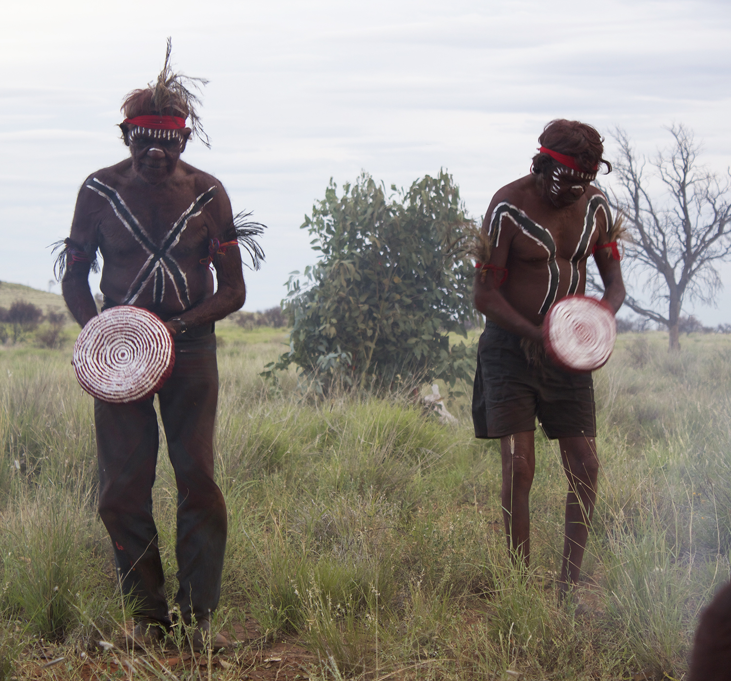 ginger wikilyiri and Keith Stevens performing i nma  (ceremony)