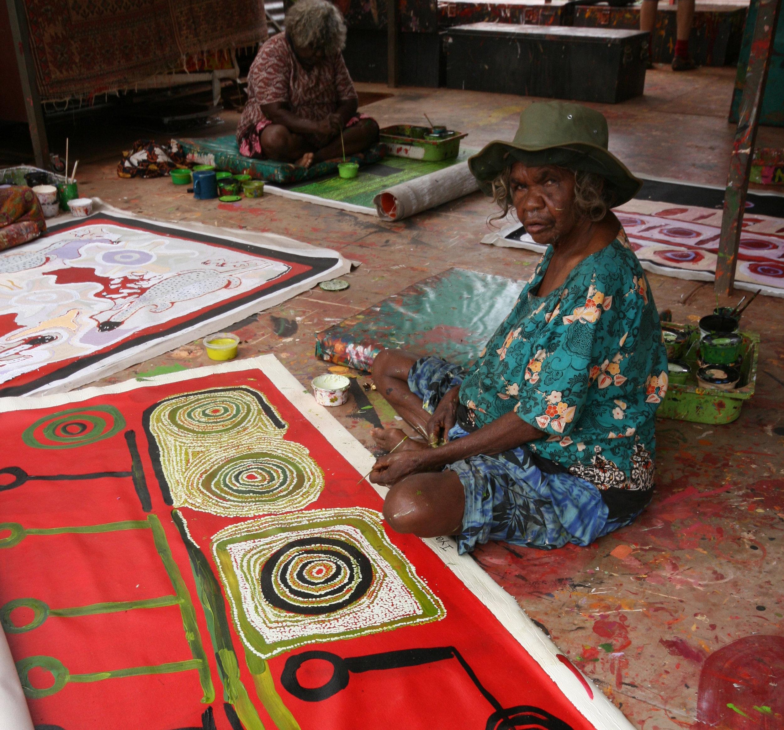 Kunmanara Wikilyiri painting at the tjungu palya art centre in nyapari
