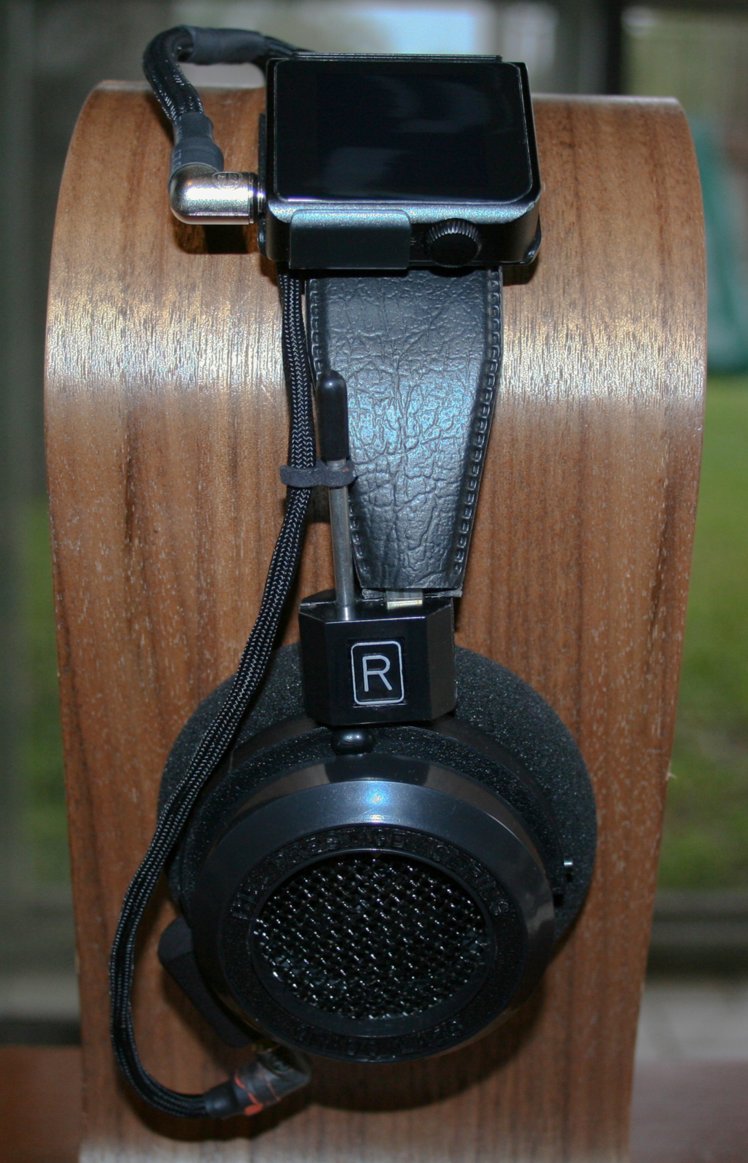 with clip & dedicated cable.jpg