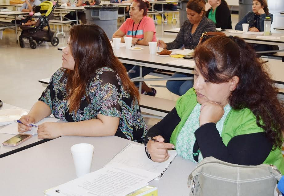 Waite Middle School parents receive advice from reading specialist Dr. Sue Abel during a recent reading workshop designed to assist parents in supporting their children's literacy education.  Photo | NLMUSD