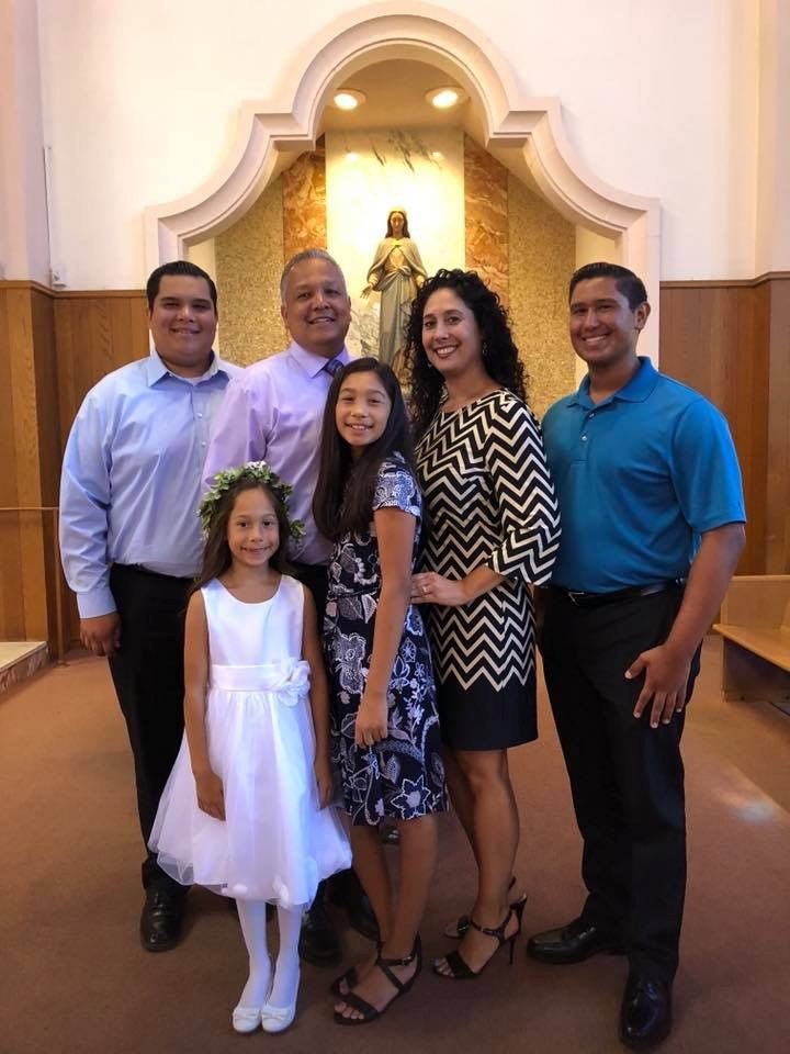 Rio Hondo College graduate Angelica De La Rosa and her family.