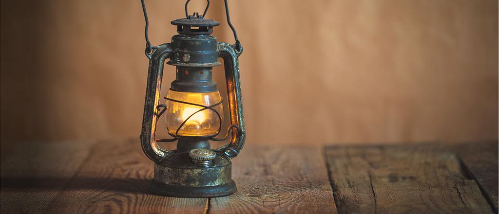 kerosene-lamp.jpg