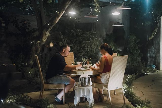 Make your dining more enriching with a romantically inclined setting!⠀ ⠀ Check out our menu and book your table at ⠀⠀⠀ www.kaminarigroup.com⠀⠀ ⠀⠀⠀ ⠀ #dahanabali #kaminarigroup #japaneserestaurant #seminyak #bali #bestinbali #bestjapaneserestaurant #wheninbali #balifoodies #baligasm #seminyaksnob #seminyakcommunity #balirestaurant #balilivin #balilife #japanesevibes #jakartaeat #sushi #fresh⠀⠀ ⠀ ⠀