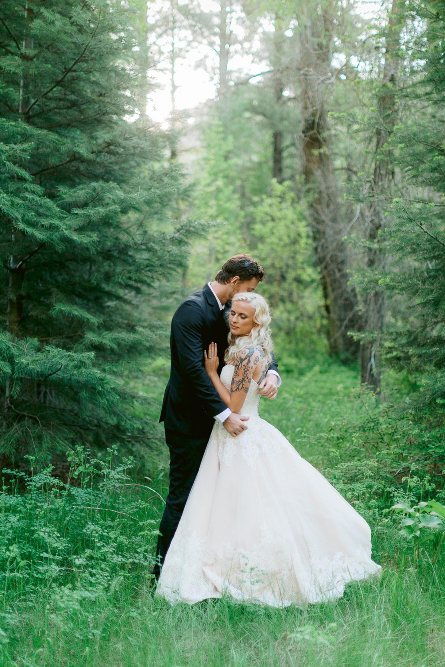 durango-intimate-family-wedding-private-ranch-036.jpg