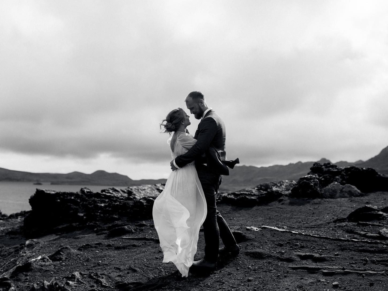 iceland-epic-elopement-photos-south-coast-wedding-ceremony-044.jpg