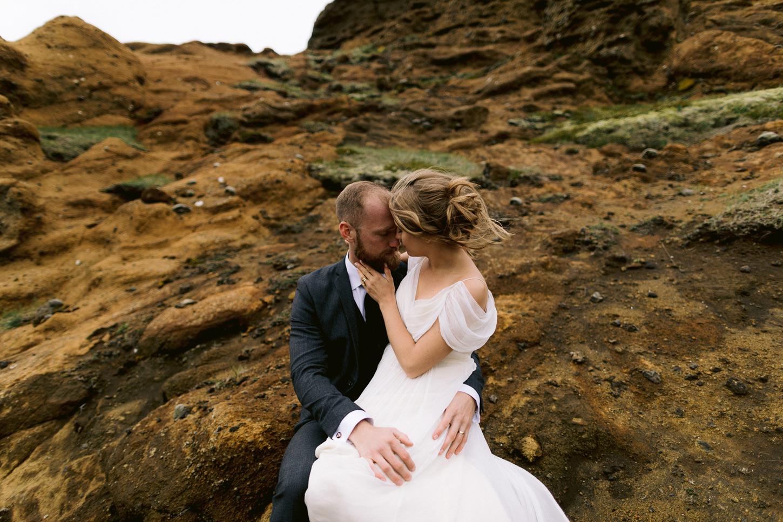 iceland-epic-elopement-photos-south-coast-wedding-ceremony-078.jpg