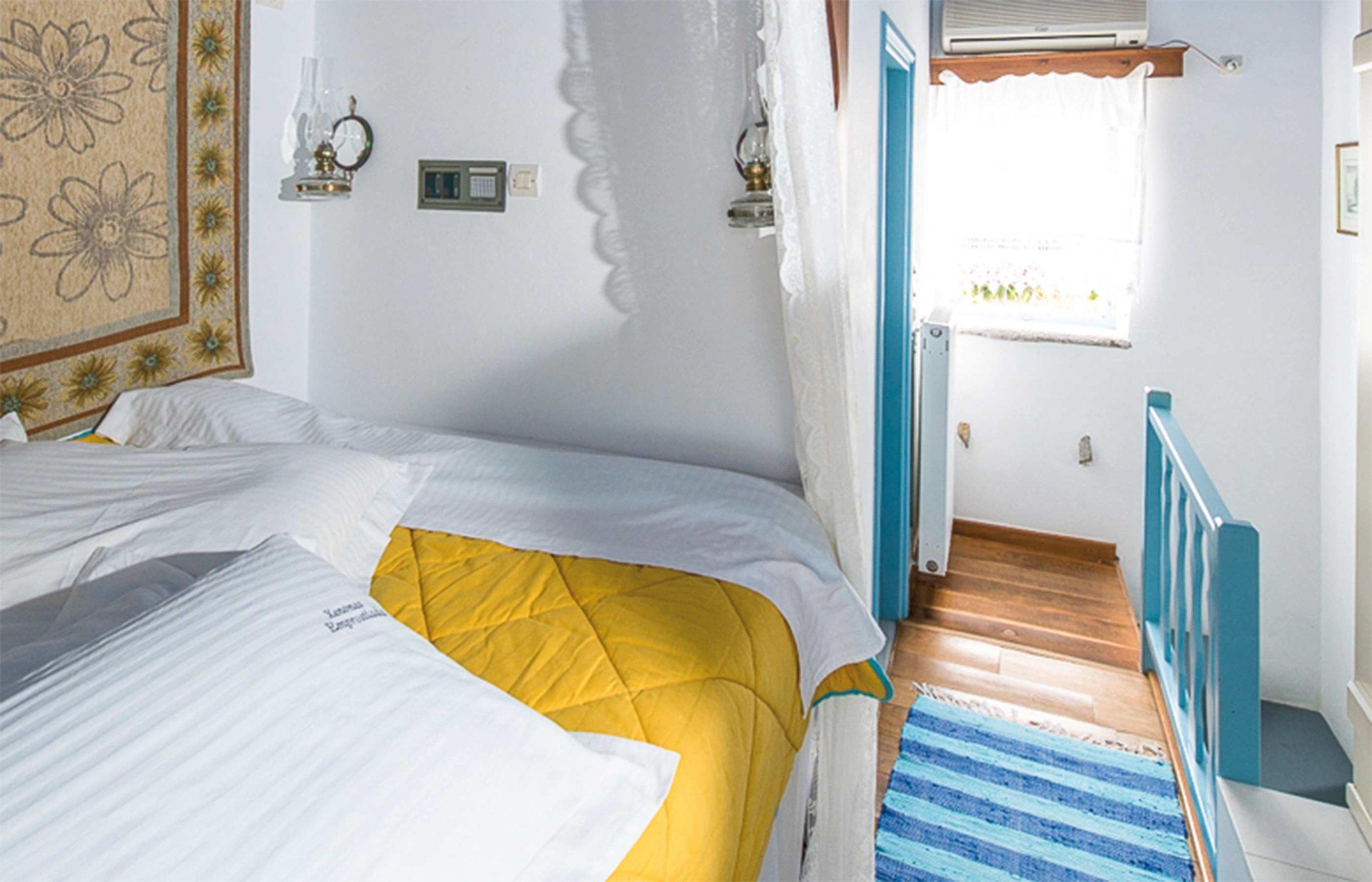 Web-Emprostiada_Bedroom.jpg