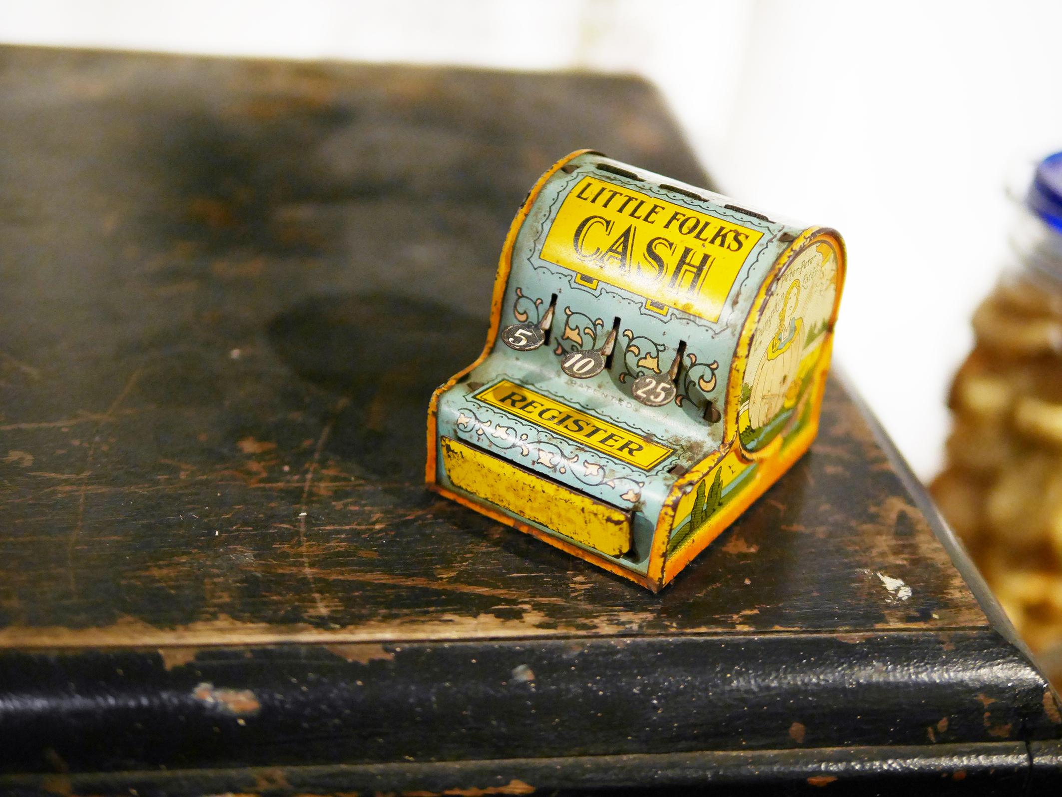 1920年代收銀機玩具 。