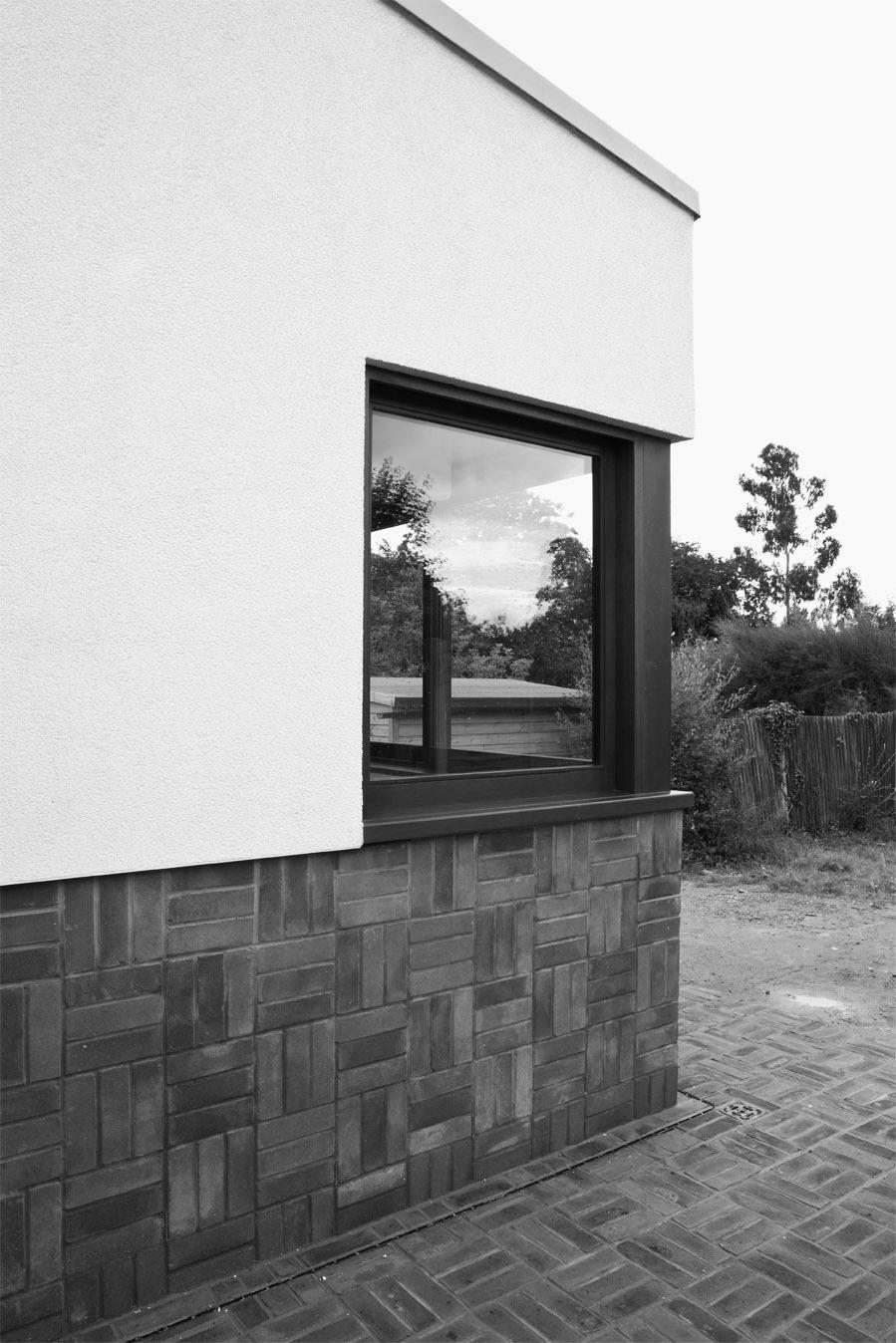 MOCT_house_extension_barnham rd_bw_image14.jpg