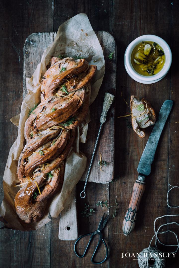 Twisted fennel bread-7.jpg