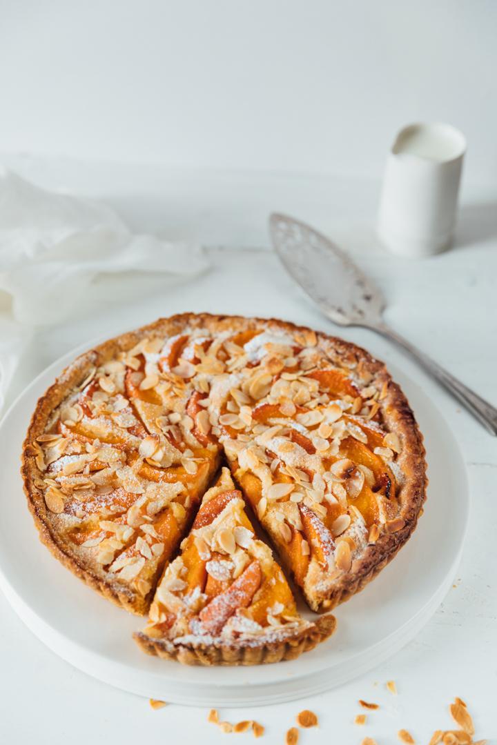 Apricot frangipane tart-3.jpg